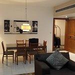 Photo de Golden Sands Hotel Apartments