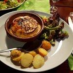 Camembert rôti et pomme de terre grenaille