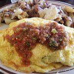 Turkey, cheese and avocado omelet with fresh salsa and homefries