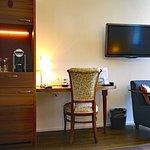 Minibar, Safe, Flatscreen-TV, Kapselautomat für gratis Tee/Kaffee