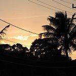 nascer do sol, vista da frente da pousada 06h30min m/menos