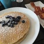The blueberry pancakes and crispy bacon are to die for!