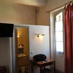 Photo de Hotel Du Cours