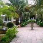 entrée jardin et hôtel