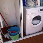 zona lavatrice/ripostiglio sul balcone