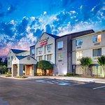 Exterior of Fairfield Inn & Suites Alpharetta