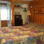 Unit #11, Queen bed, flat screen tv, refridgerator and microwave,bathroom w/shower