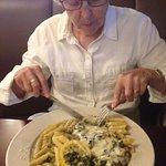 Chicken Florentino - Chicken breast sautéed w/spinach, garlic, olive oil & fresh lemon, topped w