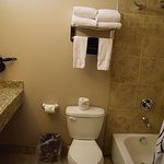 Photo de Landmark Inn and Suites