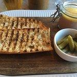 Foto de Cote Brasserie - Cardiff Bay