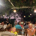 Photo de Manolis Garden Taverna