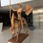 Quijote en el hall de entrada