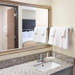 Photo de Baymont Inn & Suites Green Bay