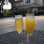 Excellent Mimosas--refreshing and tasty!