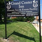 Beautiful Grand Center Inn Sign