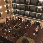 Photo de DoubleTree Suites by Hilton Hotel Lexington