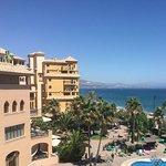Estas son las vistas que hay desde la habitación, se ve toda la playa y piscina.