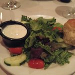 House salad with buttery garlic roll