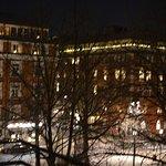La place by night en hiver