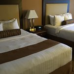 Photo de Best Western Plus Emerald Isle Hotel