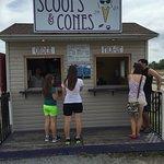 Foto de Scoops and Cones
