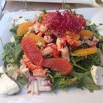 Une grande salade fraîcheur aux écrevisses et agrumes frais..... Un régal