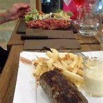 andouillette, frites maison et tartare