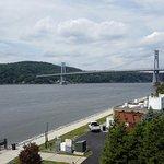 Foto di Shadows on the Hudson