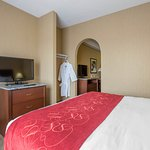 Jacuzzi Suite with robe