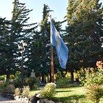 lindo parque con la bandera