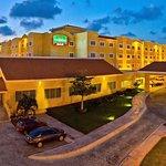 Courtyard Cancun Airport
