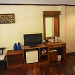 deluxe room G1 - Minibar, new flat tv, spacios, aircon, everyday water for free, fresh beach tow
