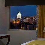 Photo de DoubleTree by Hilton Hotel Madison