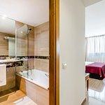 Baño privado y habitación twin