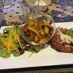 Tartare frites légumes, présentation bof.
