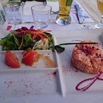 Filet de merlu et tartare de saumon excellents