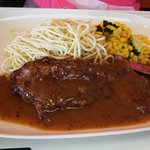 """""""L32"""" - pepper steak with corn niblets and spaghetti"""