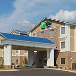 Photo de Holiday Inn Express Hotel & Suites Clarksville