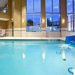 Photo de Holiday Inn Express Hotel & Suites Woodstock