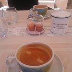 Café et ses madeleines offertes