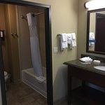 Photo de Hampton Inn & Suites Brenham