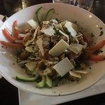 Heerlijke panini met friet & Caesar salad!