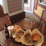 Village Burger Foto