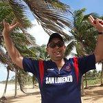 Un Cuervo entre las palmeras en Playa Flamengo !!!!!
