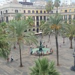 Lokk outside of the room to the Placa Reial