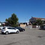 Parking et vue extérieure