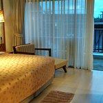 spacious bedroom/balcony