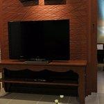 tv/fruit basket