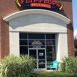 Flip Flops Grill & Chill entrance.
