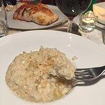 Risotto et calzone verre de vin italien